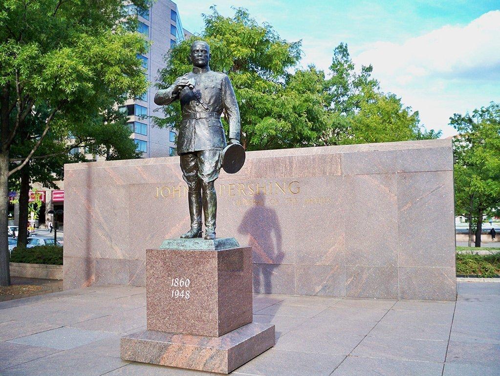 Statue at Pershing Park